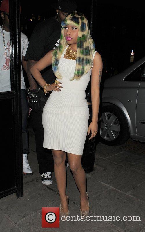 Nicki Minaj, Commitments, Dorchester Hotel