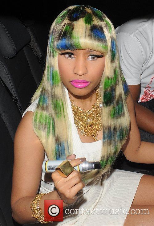 Nicki Minaj demands that her people carrier pulls...