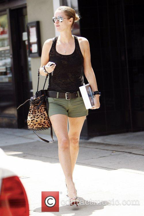 Nicky Hilton shopping at the Apple Store in...
