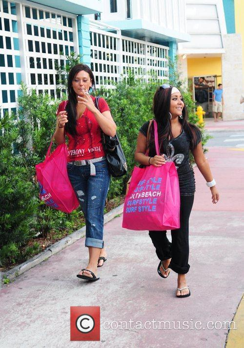 Nicole 'Snookie' Polizzi and a friend were spotted...