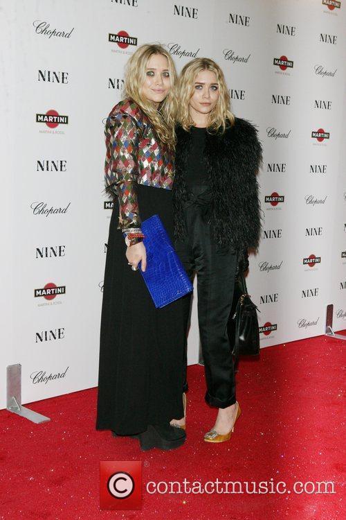 Mary-Kate Olsen and Ashley Olsen 9