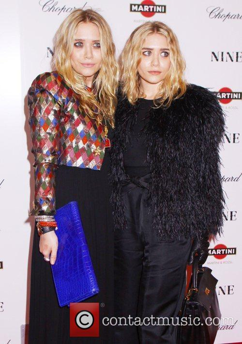 Mary Kate Olsen and Ashley Olsen 6