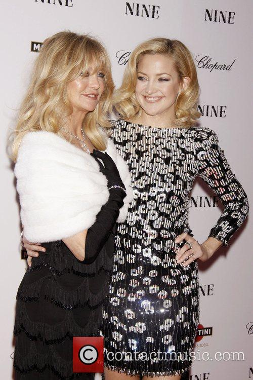 Kate Hudson and Goldie Hawn 8