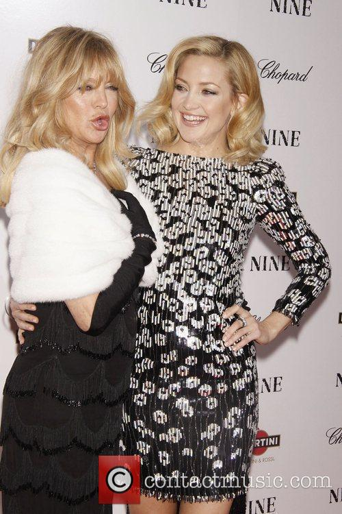 Kate Hudson and Goldie Hawn 11