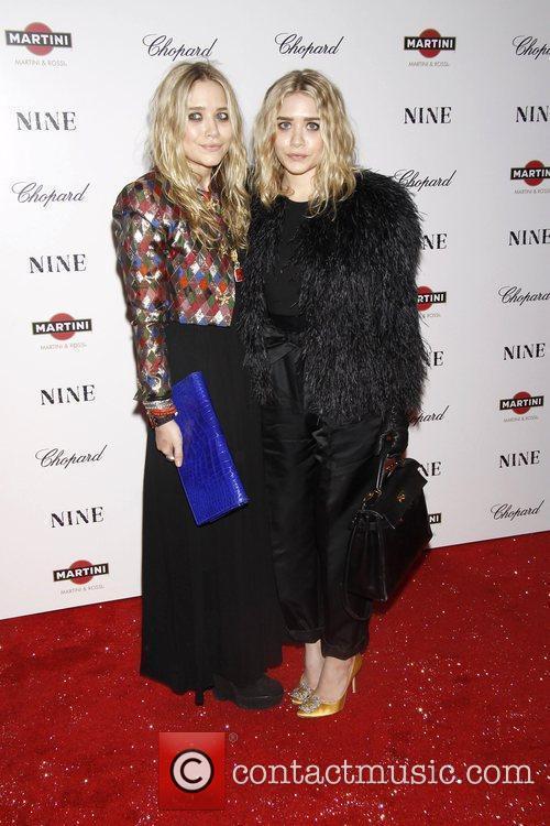 Mary-Kate Olsen and Ashley Olsen 3
