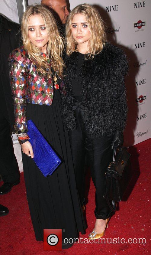 Mary-Kate Olsen and Ashley Olsen 8