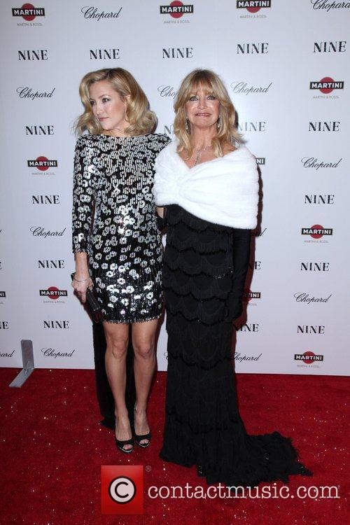 Kate Hudson and Goldie Hawn 14