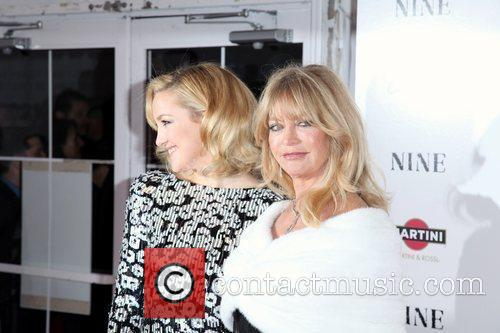 Kate Hudson and Goldie Hawn 12