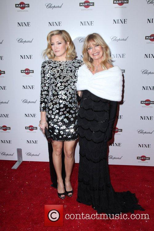 Kate Hudson and Goldie Hawn 15