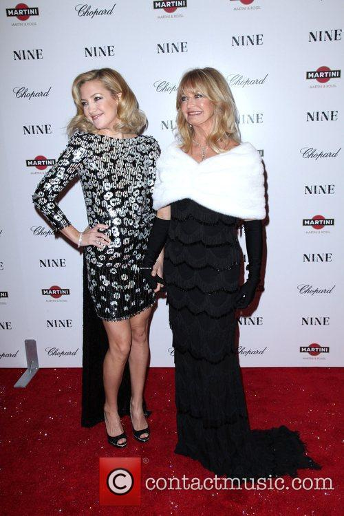Kate Hudson and Goldie Hawn 16