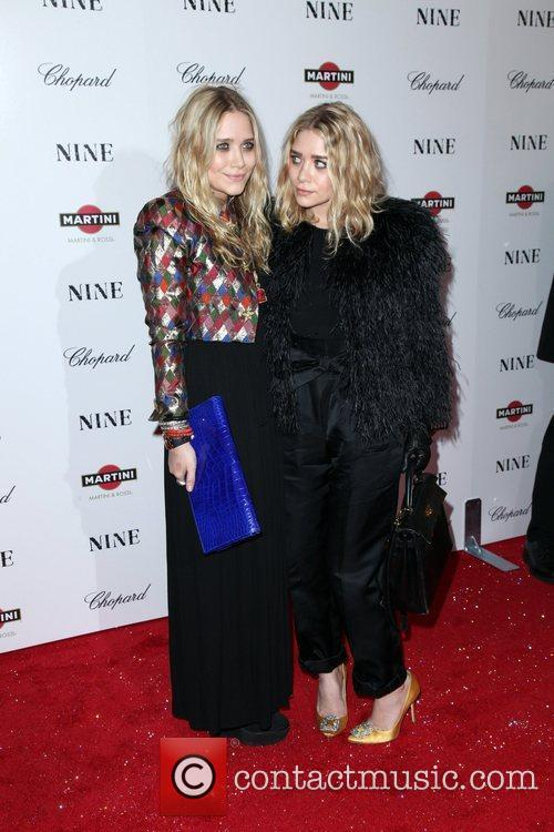 Mary Kate Olsen and Ashley Olsen 5