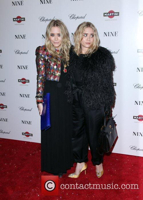 Mary Kate Olsen and Ashley Olsen 1