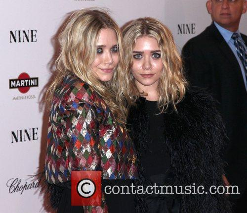 Mary Kate Olsen and Ashley Olsen 3