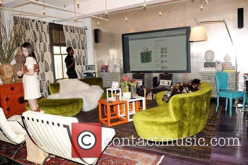 Atmosphere Robert Verdi shows off his gifting suite...