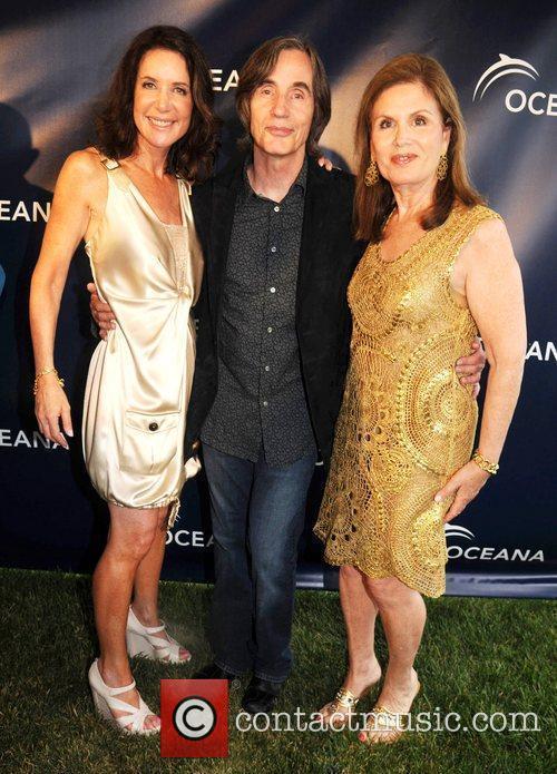 Guest, Jackson Browne and Bonnie Lautenberg Oceana's 'Splash'...