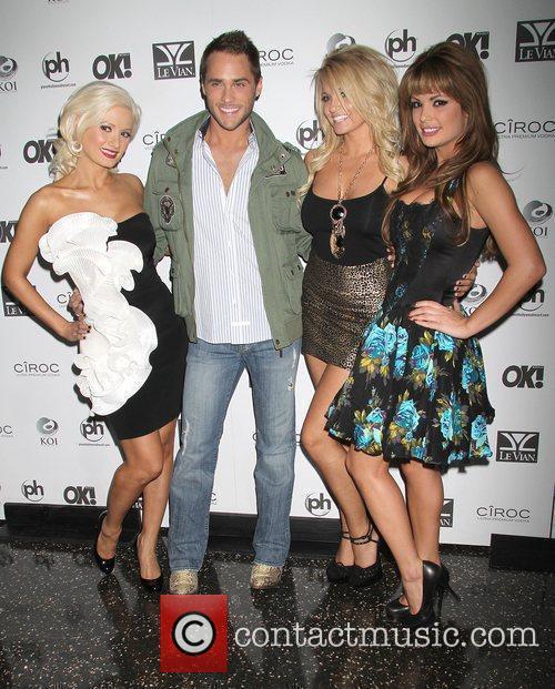 Holly Madison, Josh Strickland, Angel Porrino, Laura Croft...