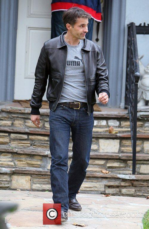Olivier Martinez and Leaves 10