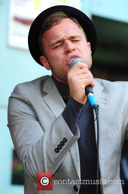 Olly Murs  Busking with 95.8 Capital FM...