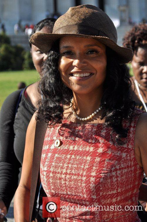 Victoria Rowell 3