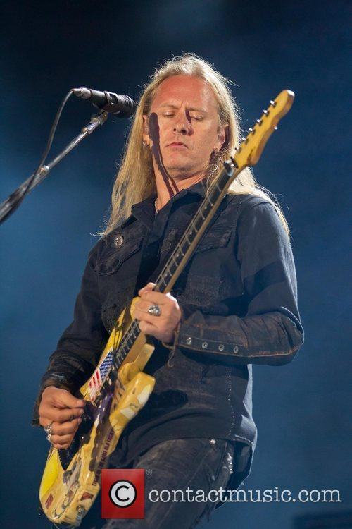 Jerry Cantrell of Alice in Chains Optimus Alive!...