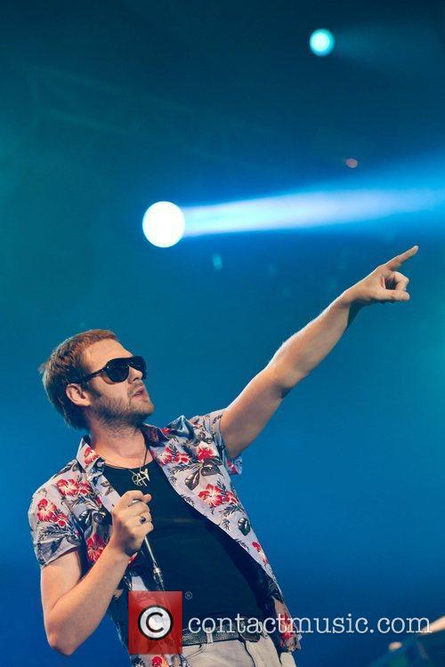 Tom Meighan of Kasabian Optimus Alive! 2010 at...