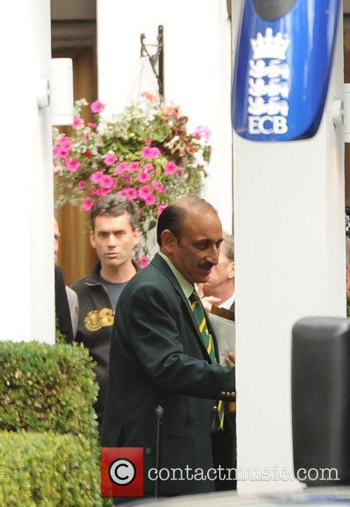 The Pakistani Cricket team leaving their central London....
