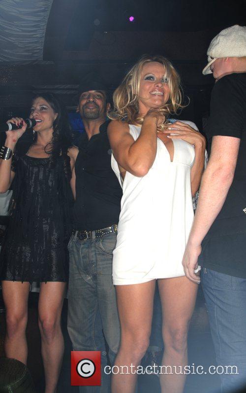 Dj Maria Laina and Pamela Anderson 1