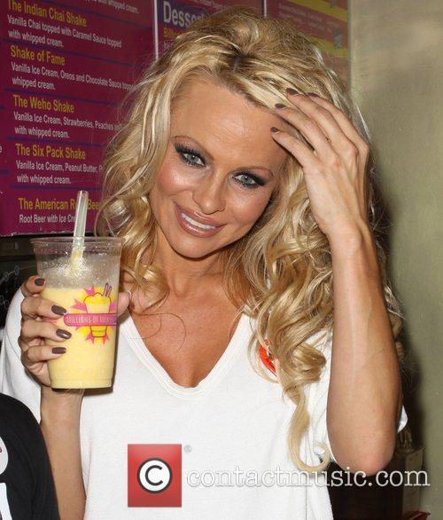 Pamela Anderson 74