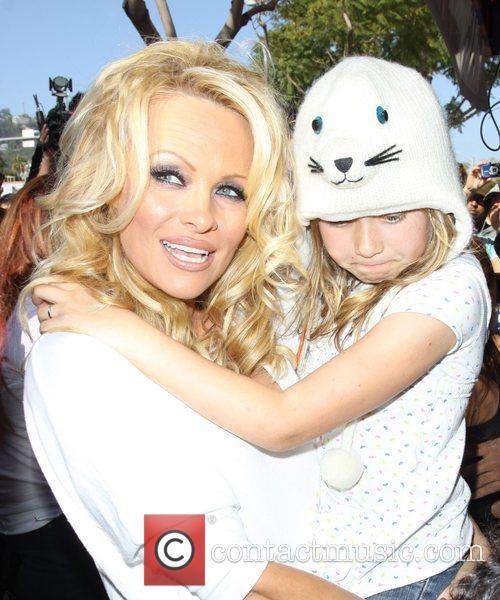 Pamela Anderson 75