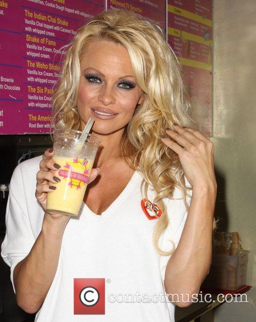 Pamela Anderson 46