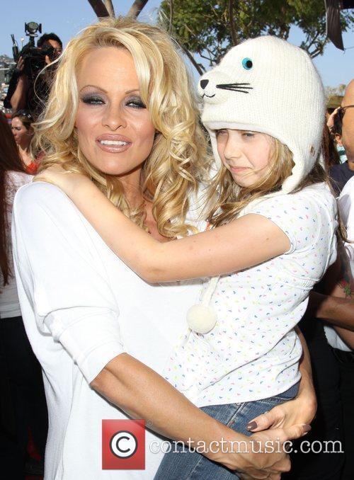 Pamela Anderson 54