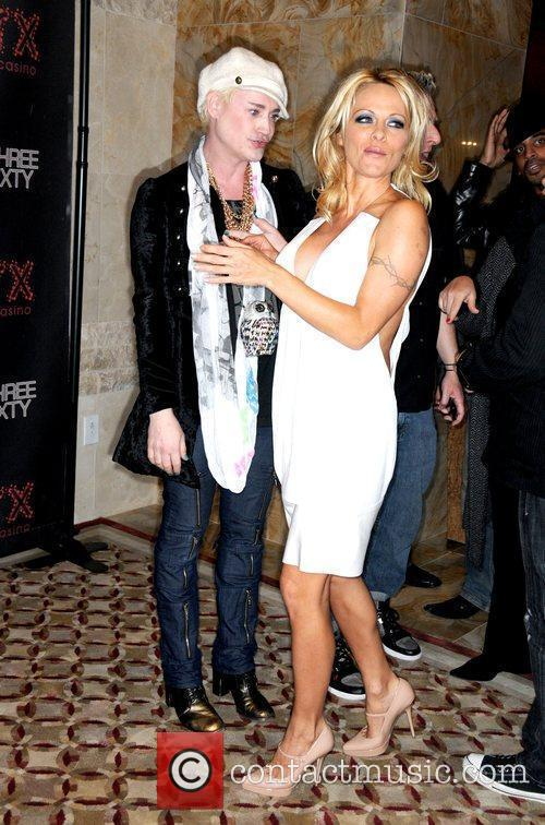 Pamela Anderson and Richie Rich 1
