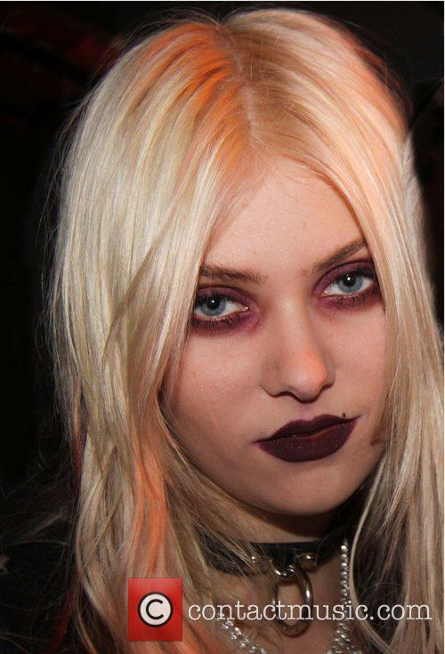 Taylor Momsen Paper magazine and Express celebrate their...