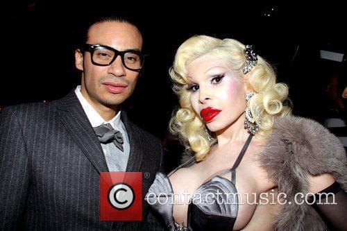 Victor De Souza and Amanda Lepore 7