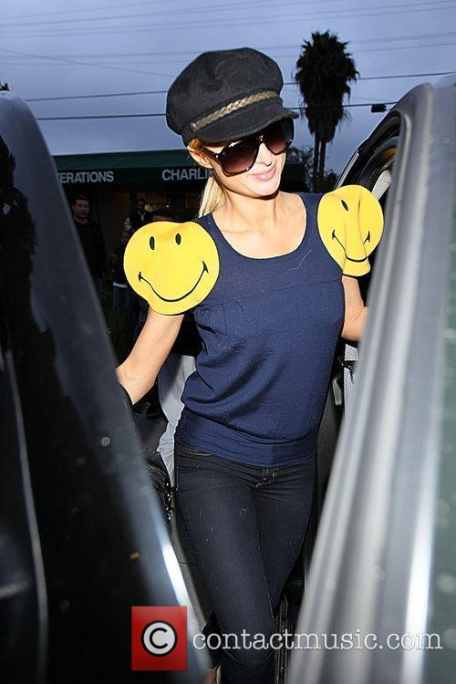 Paris Hilton  picking up some take out...