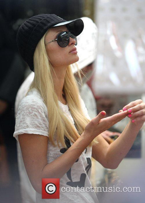 Paris Hilton out shopping at 'Kings Raod Beads'...