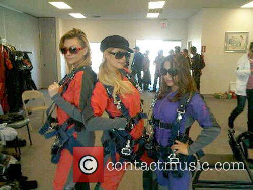 Nicole Richie, Ashlee Simpson, Dj Samantha Ronson, Gwen Stefani, Joel Madden, Las Vegas and Paris Hilton 3