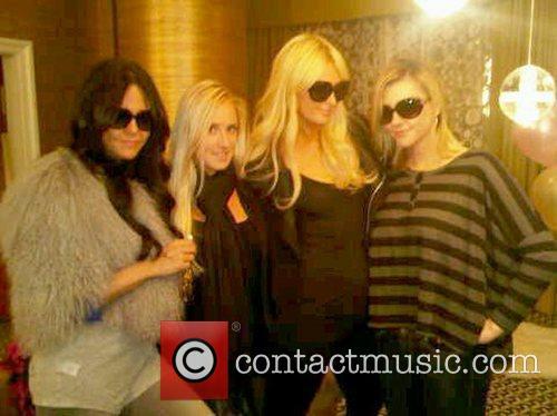 Nicole Richie, Ashlee Simpson, Dj Samantha Ronson, Gwen Stefani, Joel Madden, Las Vegas and Paris Hilton 2