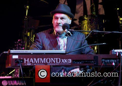 Paul Carrack 18