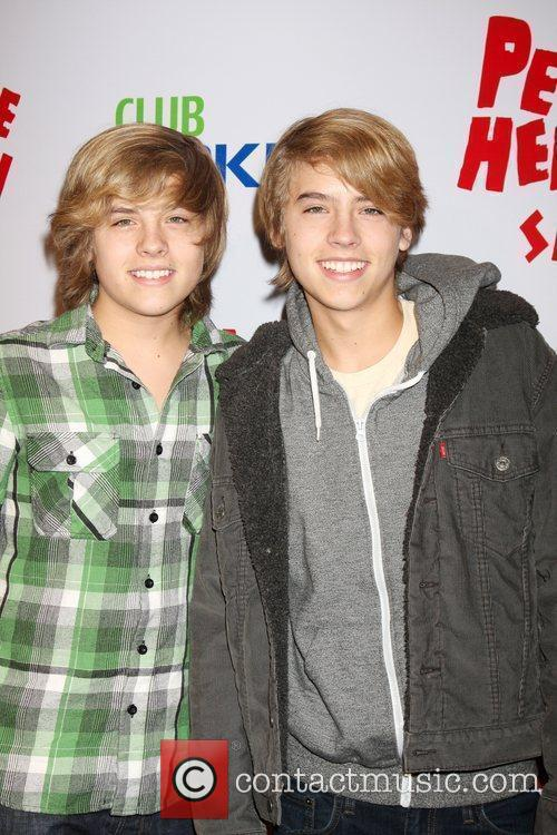 Dylan and Cole Sprouse 8
