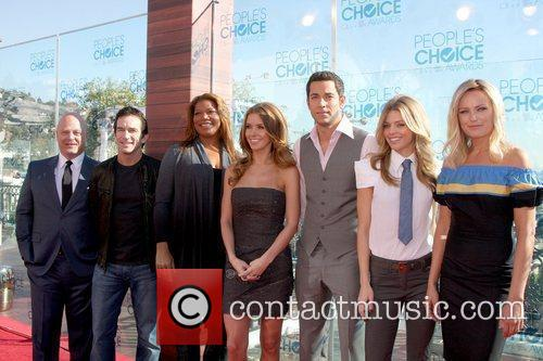 Michael Chiklis, Annalynne Mccord, Audrina Patridge, Jeff Probst, Malin Akerman, Queen Latifah and Zachary Levi 4