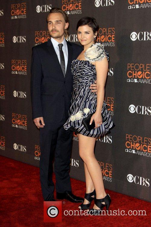 Joey Kern and Ginnifer Goodwin People's Choice Awards...