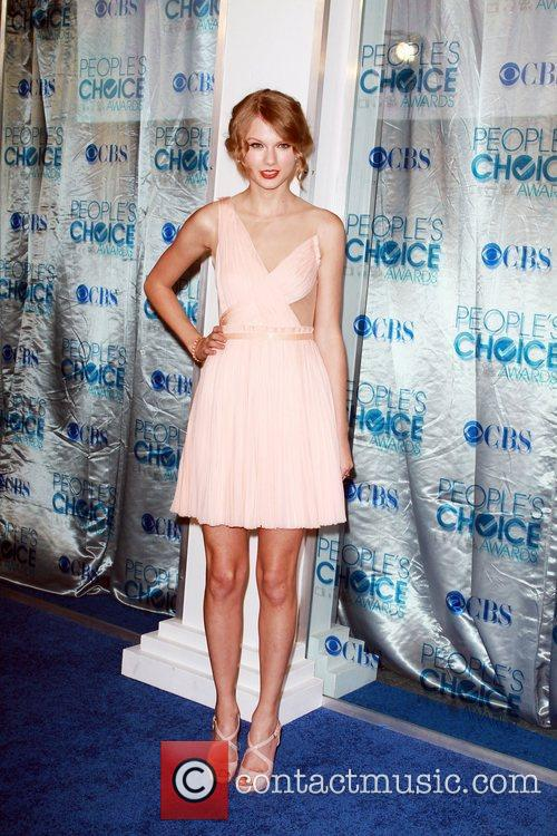 Taylor Swift 2011 People's Choice Awards at Nokia...