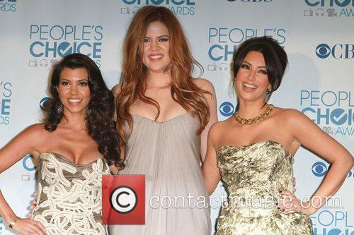 Kourtney Kardashian, Khloe Kardashian and Kim Kardashian 6