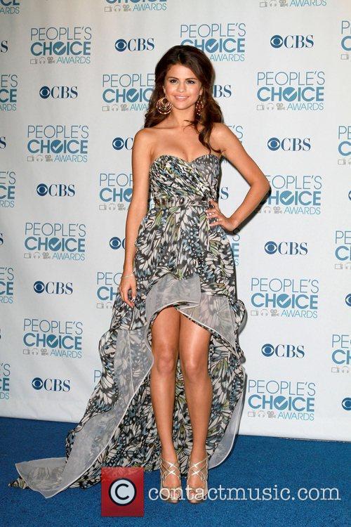 Selena Gomez, Chris Colfer and Jane Lynch 3