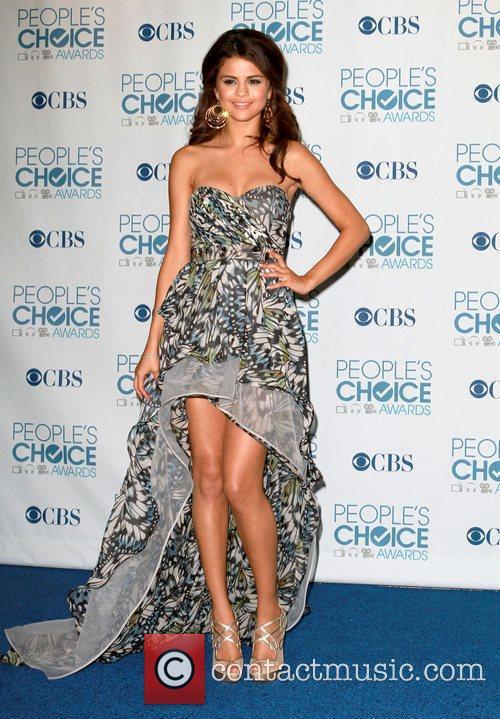 Selena Gomez, Khloe Kardashian, Kim Kardashian, People's Choice Awards