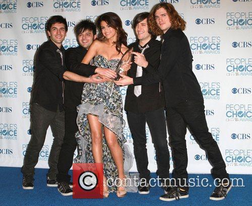 Selena Gomez, Khloe Kardashian and Kim Kardashian 4