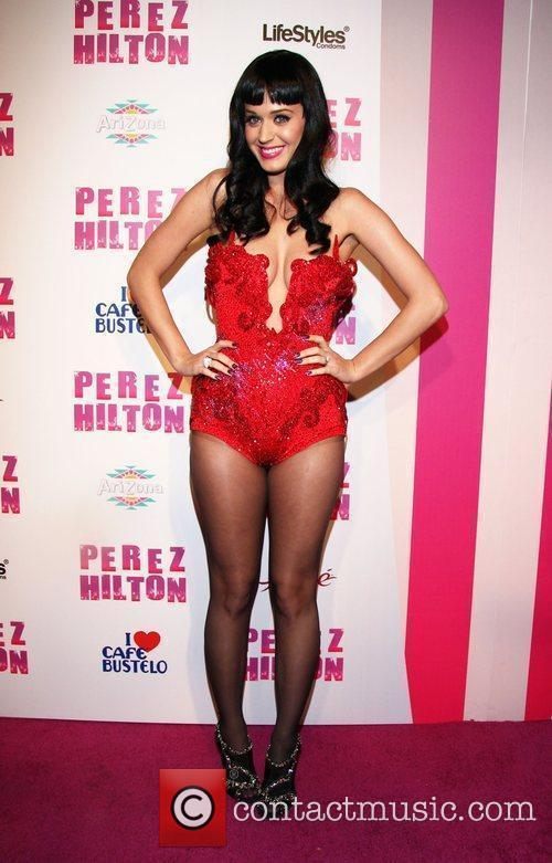 Katy Perry Perez Hilton's 'Carn-Evil' Theatrical Freak and...