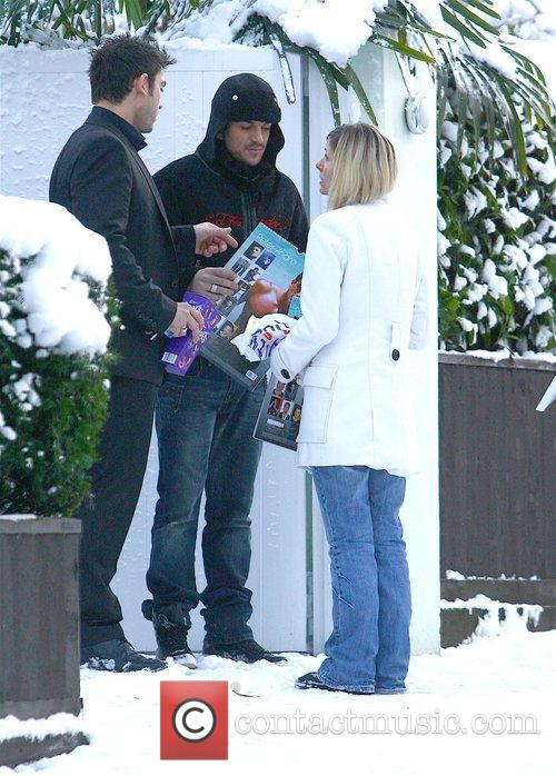 Peter Andre leaving his house ahead of his...