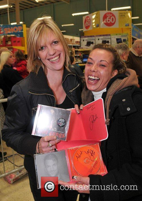 Happy fans Shahrina and Polly  Peter Andre...